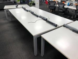 Bank of 6 white desks - 100cm tops