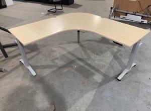 Steelcase Electric height adjustable desk