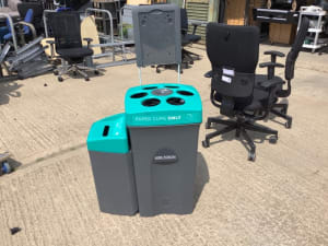 Cups bin