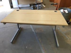 Desk 140cm