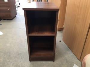 Pedestal shelf unit