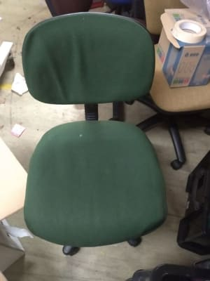 green and black rolling chair