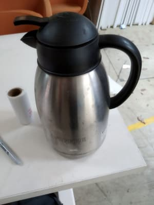 gray and black electric kettle