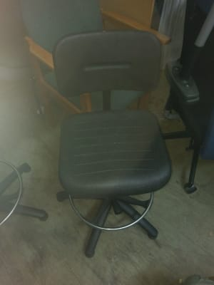 black rolling chair