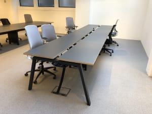 Bench bank of 8 desks - 100cm tops