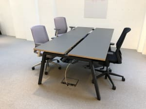 Bench bank of 4 desks - 100cm tops