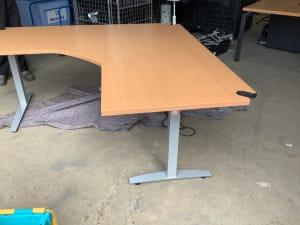 Electric corner  desk 180