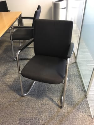 Meeting room arm chair
