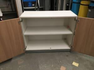 Cabinet 100x83x46