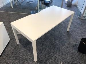 Single desk 160cm