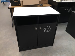 Recycling cabinet