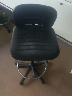 black swivel stool