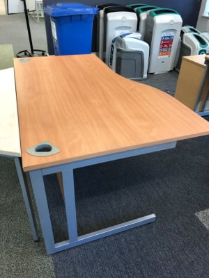 Wave Desk 140cm