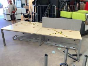Bank of 4 desks with dividers Beech tops 140cm