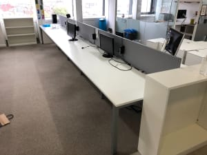 Bank of 8 desks 120cm