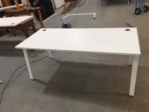 Single desk 180cm