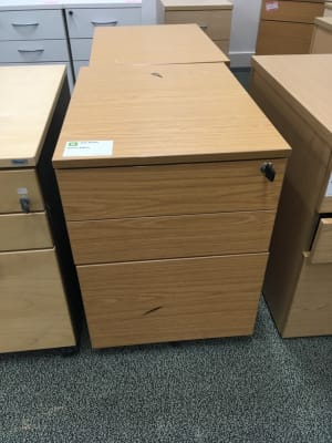 Wooden 3 drawer pedestal