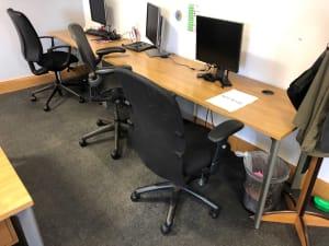 Row of 3 desks 120cm