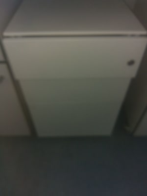 white wooden 3-drawer ches t