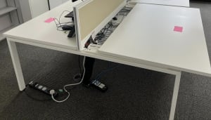 Bank of 2 desks 140 with divider