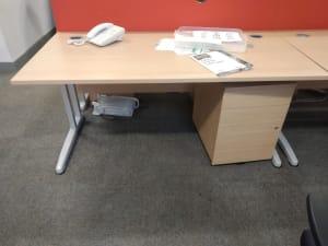 Office desk 140cm