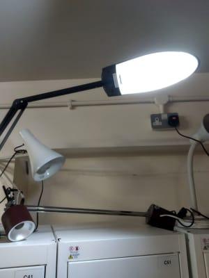 black and white foldable desk lamp