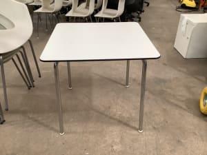 Vitra Table
