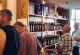 rhoen-schlitzer-destillerie-personen-einkaufen