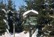 Verschneiter Wegweiser im Rhoenwald