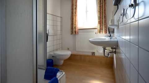 rhoenfuehrer-landgasthof-hotel-toilette