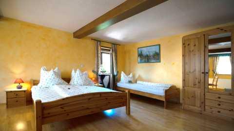 rhoenfuehrer-landgasthof-hotel-zimmer