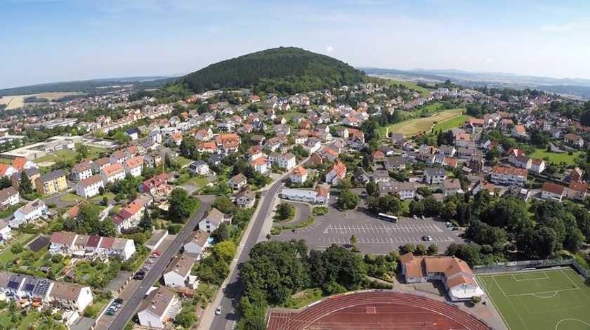 rhoen-einkaufswelt-petersberg-lufbild-rauschenberg