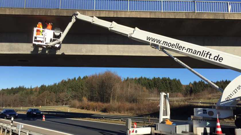 rhoen-moeller-manlift-strasse