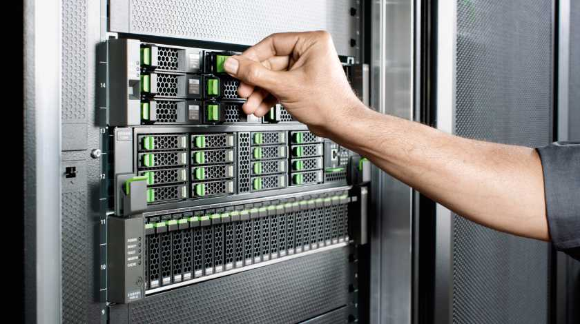 rhoen-kraft-systems-data-center-menschen