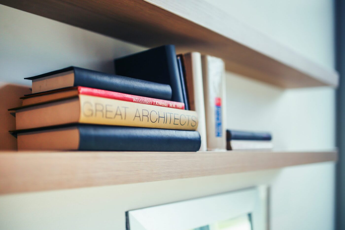 architect books bookshelf 5869 gqcxm5
