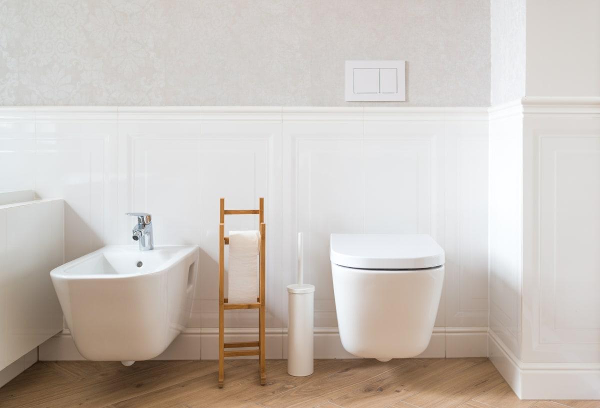 Hva er forskjell på toalett?