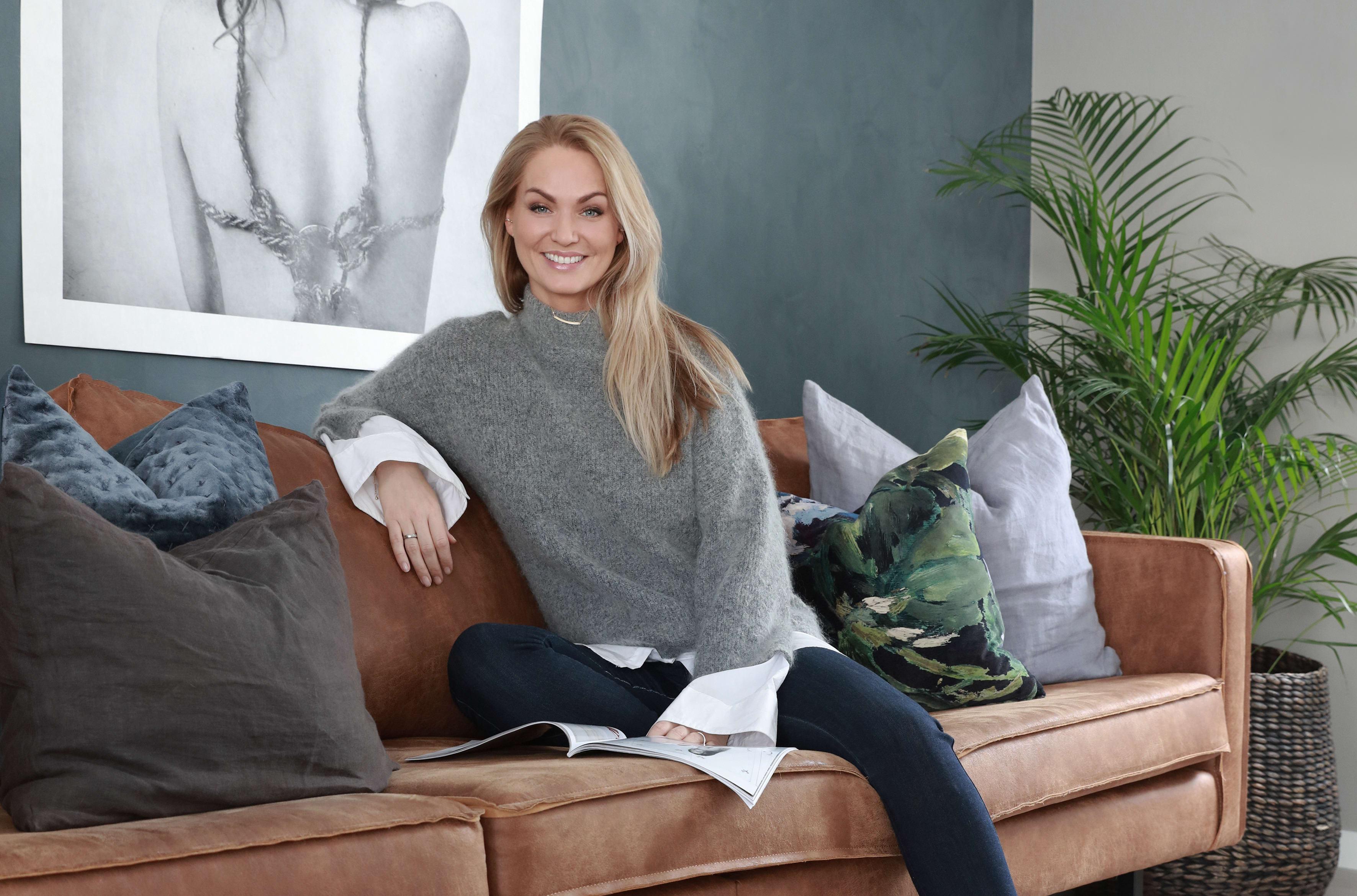 Marna Haugen Burøe er kjent for bloggen Komikerfrue, Skal vi Danse 2017 og fra TV2 Livsstil- serien Bloggerne