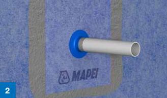 Påflør Mapeguard WP Adhesive på Mapeguard WP 200-folien med malerulle