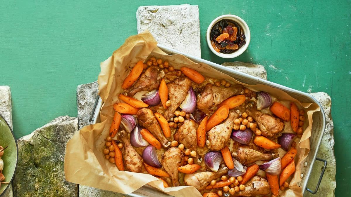 Kanakoivad porgandite ja kuivatatud puuviljadega