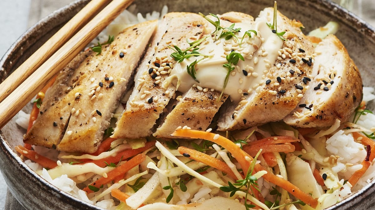 Kana hapuka kapsasalati ja sojamajoneesiga