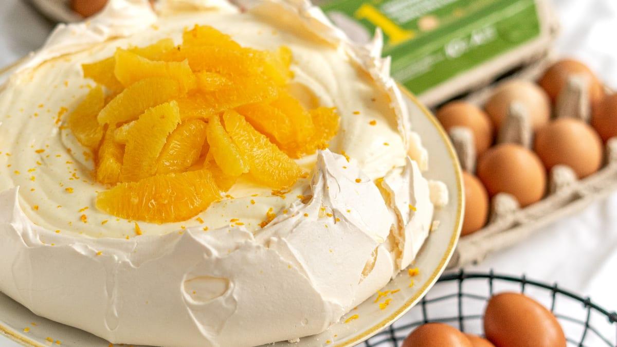 Bezē kūka ar apelsīniem