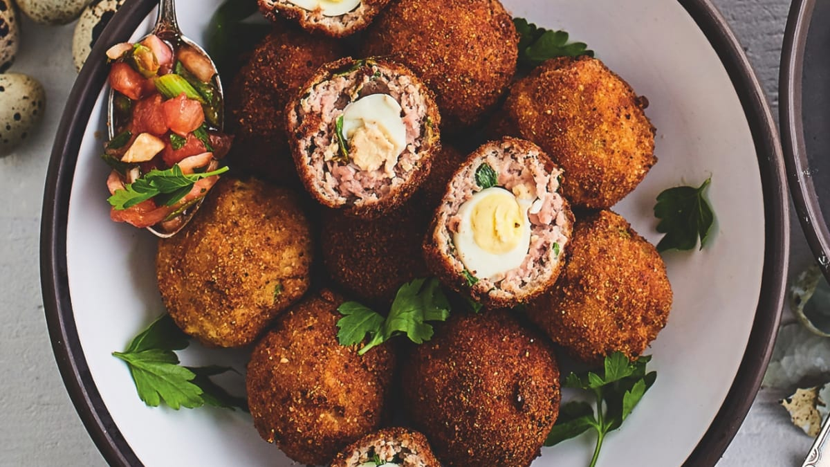 "Skotu olas ar franču ""bois boudran"" mērci"