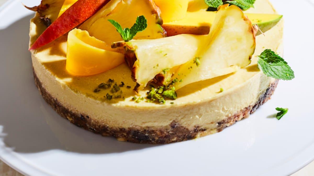 Mango - ananasu vegānu kūka