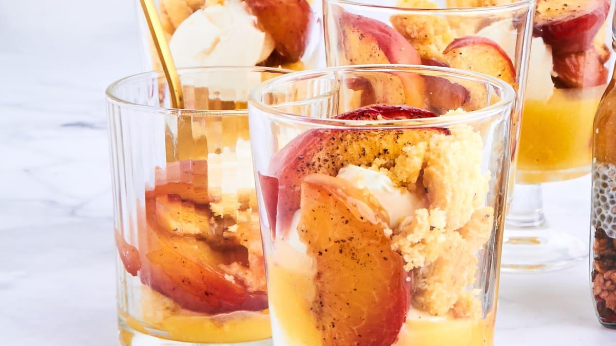 Ceptu nektarīnu deserts