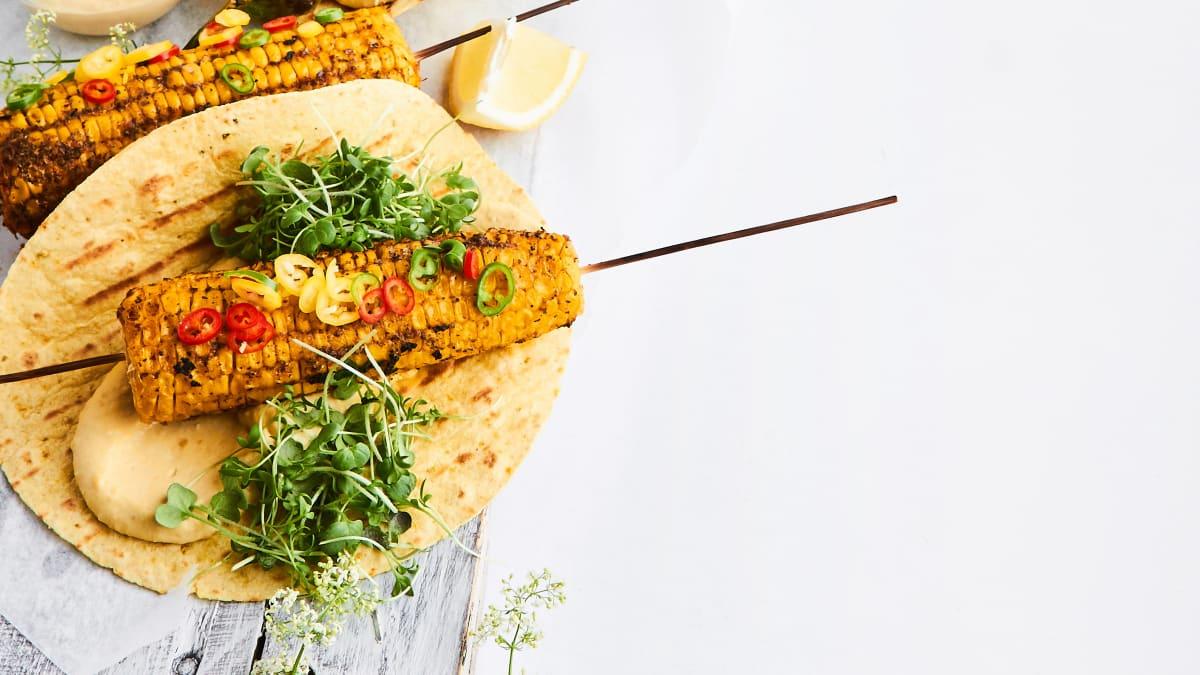 Grilēta kukurūza ar garšvielu sviestu