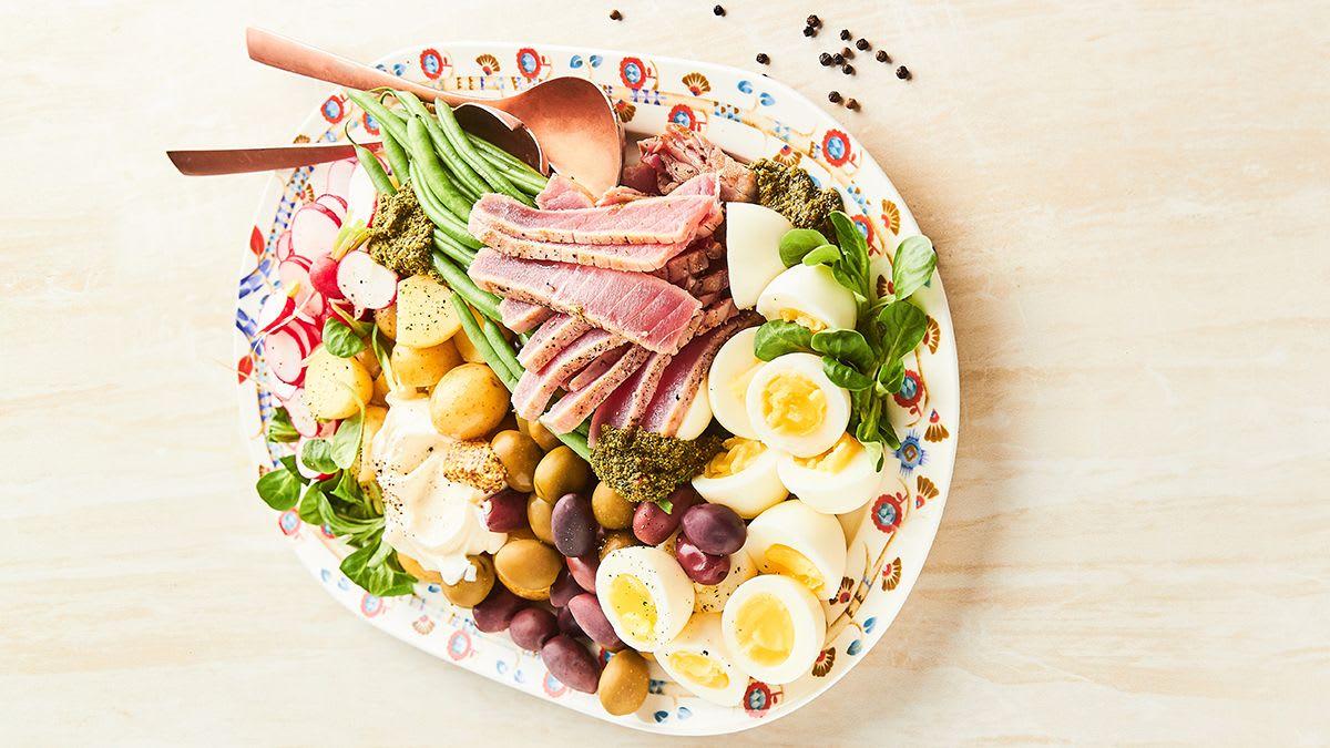 Nicas salāti ar apceptu tunzivi