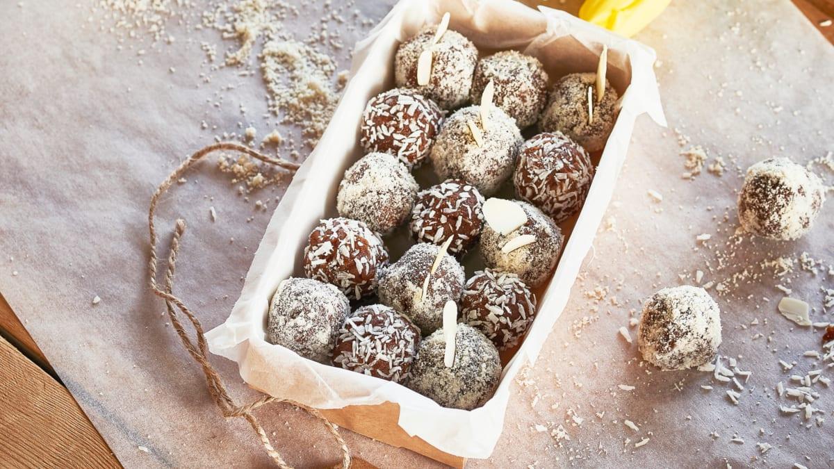 Medaus biskvito triufeliai