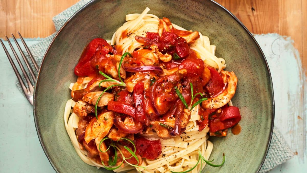 Kana paprika- ja tomatikastmega