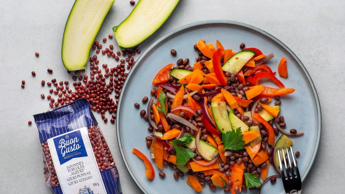 Pupuolių salotos su daržovėmis
