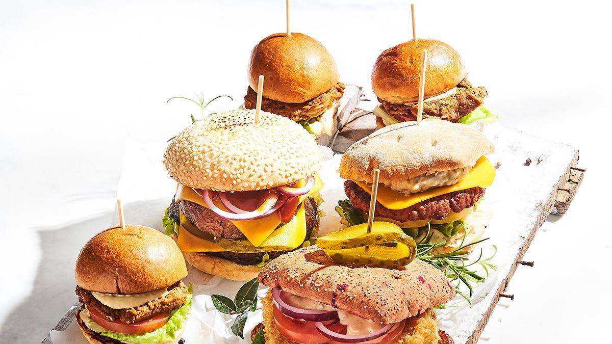 Naturli zirņu burgers ar Cēzara mērci